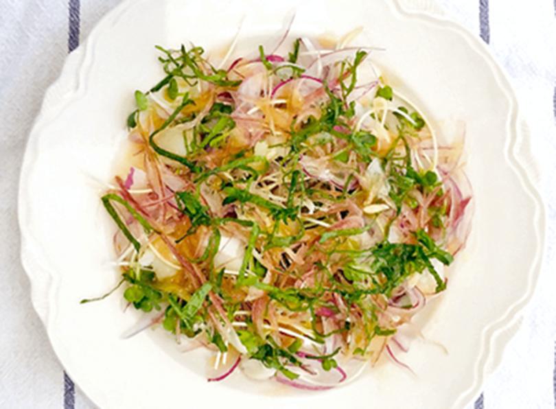 夏を楽しむホタテと香味野菜のサラダ