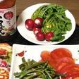 【トマぽん】我が家で採れた季節の野菜サラダ