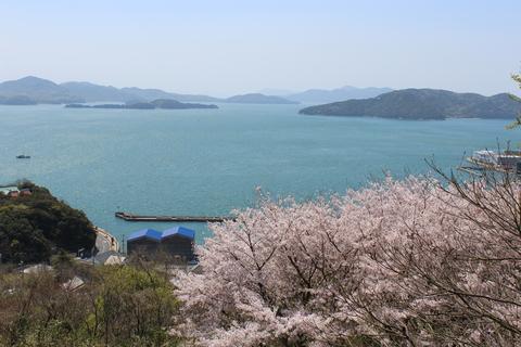 下津井城後地より瀬戸内海を眺める。
