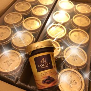 「GODIVA」の味わいを、身近に楽しめるチルドカップドリンク!「GODIVA ダークチョコレート」
